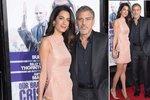 Styl podle celebrit: Pudrové pouzdrovky, jaké nosí Amal Clooney, se hodí kdykoli!