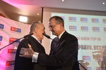 Gratulace od Karla: Schwarzenberg předal Kalouskovi vládu nad Topkou