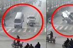 Bizarní autonehoda v Číně: Auta vyletěla do vzduchu!