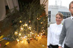 Nestabilní Vánoce: Bořku Slezáčkovi spadl nazdobený stromeček