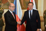 Cameron je v Česku. Se Sobotkou řešil i dávky pro Čechy v Británii