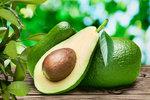 Vychvytávky Ládi Hrušky: Vypěstujte si doma avokádo. Stačí plastový kelímek a párátka