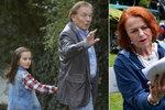 Charlotte Ella Gottová hraje s tatínkem Karlem v novém českém filmu Decibely lásky.