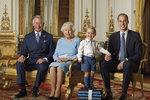 """Královna Alžběta slaví 90! Na známkách bude s malým a """"vyvýšeným"""" Georgem"""