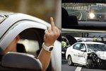"""Agrese za volantem zabíjí: Řidiči se dostávají až do """"silniční zuřivosti"""""""