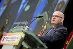 Zrádce, nebo hrdina? Ministr Herman po Sudetech přišel o tweety