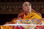 """Dalajláma zpražil """"sluníčkáře"""": Evropa přijala příliš mnoho uprchlíků"""
