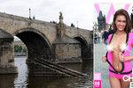 Porno na Karlově mostě! Fotili ho za bílého dne a před dětmi