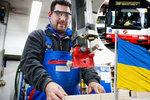 Nízké mzdy i líný zadek. Češi přenechají 135 tisíc volných míst cizincům