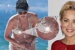 Sharon Stone pustila na pláži v L.A. bradavku na špacír