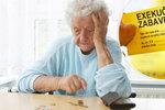 """""""Mobilní"""" právníci jedou za seniory. Zadarmo jim pomohou s dluhem i exekucí"""