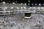 Terorista se odpálil ve Velké mešitě v Mekce, pět dalších policisté zneškodnili