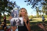 """Terezu Maxovou dojaly fotky s Herzigovou a Němcovou z Paříže 1989: """"Ježiš! Kde jste je našli?!"""" divila se"""