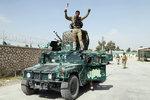 """Tálibán vtrhl lidem domů: """"Zničíme je,"""" vzkázali vojáci v Kunduzu"""