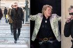 Rod Stewart na procházce Prahou: Křižovatku přeběhl na červenou!