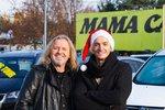 Americké Vánoce? Sporťák Michal Hrdlička lítá po ulici se santovskou čepicí