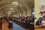 Noví senátoři složili slib. I přes klanění Číně je povede Štěch, soupeře neměl