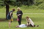 Polívka zkolaboval v parku: Na pomoc přiběhla Holubová se Studénkovou!