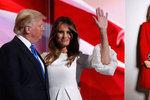 Krátké věty, nahé fotky a málo emocí. Kdo je Trumpova žena Melanie?