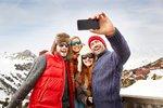 Chcete fotit selfíčka jako o život i na horách? Vyzkoušejte tyhle tipy na zvýšení výkonu telefonu