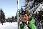 Máme velikou radost, kolegyně Maruška Šilhová z online redakce Blesku pro ženy doběhla ve zdraví Jizerskou 50, jeden znejtěžších závodů v klasickém lyžování v Evropě. Před startem byla mírně nervózní a přiznala se, že včera porušila životosprávu a dopřála si skleničku vína. Na kuráž. Což vlastně vyšlo.