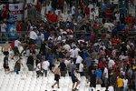 Řezníci i Gladiátoři: Dokument BBC ukázal ruské fanoušky fotbalu, Moskva zuří