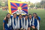 Fotbalistkám z Tibetu zatrhli cestu do USA. Bojí se, že budou chtít azyl