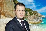 Vlivný bankéř chce Čechům překazit levnější dovolenou, která se blíží