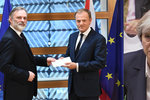 Brexit započal, Mayová oficiálně požádala o odchod z EU