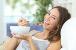 Chcete hubnout? Svačte! 4 tipy na zdravé zobání před obědem i večeří