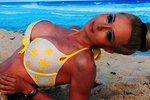 Když panenka odhodí šatičky: Lidská Barbie Valeria Lukyanova se předvádí v prádélku