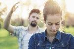8 signálů, podle kterých poznáte, že žijete s citovým manipulátorem
