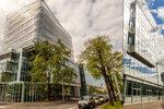 Kontroverzní budova obalená fólií otevřena: Výzkumný ústav stál 1,5 miliardy
