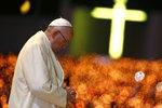 Přiznání papeže Františka: Při modlení občas usnu