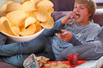Chipsy jsou návykové jako drogy. Zdravé jídlo už nás neuspokojí, říká expertka