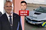 "Komentář: Zemanův ""chlapeček"" v policejním superautě. A reklama pro BMW"
