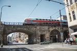 Negrelliho viadukt na dva roky zavřeli. Vlaky do Kralup či do Kladna jezdí jinudy
