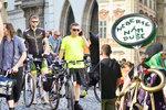 Centrem Prahy prošel průvod cyklistů. Vypuštěnými dušemi bojovali proti omezení