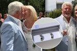 Zvláštní svatba Milana Drobného: Trvali na obřadu přesně sedm minut po poledni!