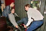 Jančařík na vozíku se vrací na jeviště: Kolegové ho nesli do schodů v divadle