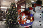 Čokoládový Santa i vánoční stromy v obchodech v září naštvali lidi: Je to stres