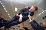 Celý vesmír pláče ze smrti Hawkinga: Leť dál lehce jako superman, vzkázala NASA