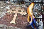 Vykloubená ramena, spáleniny od pochodní: Takhle před 625 lety umíral český světec