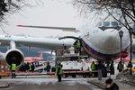 """Vyhoštění diplomaté z USA dorazili do Ruska. Ti v Česku si teprve """"balili věci"""""""