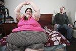 Přeje si být největší ženou světa! Váží 350 kilo, snoubenec ji podporuje