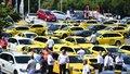 Protestní jízda taxikářů začala na Strahově.