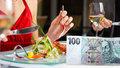Oběd do stovky v centru Prahy? 5 tipů, kde to je možné