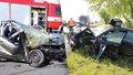 Na Kolínsku se srazili čelně dva vozy: Jeden z řidičů nepřežil