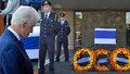 """Zeman i Klaus se na Perese """"vybodli"""". Na pohřeb letí Obama, Clinton už tam je"""
