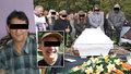 Pohřeb táty se synem, kteří zemřeli při požáru v Jirkově: Proudy slz a nářek nad rakvemi